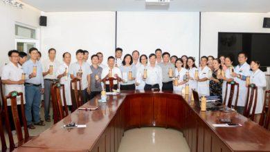 Ảnh các Khoa/phòng ký cam kết với Ban giám đốc về giảm thiểu chất thải nhựa