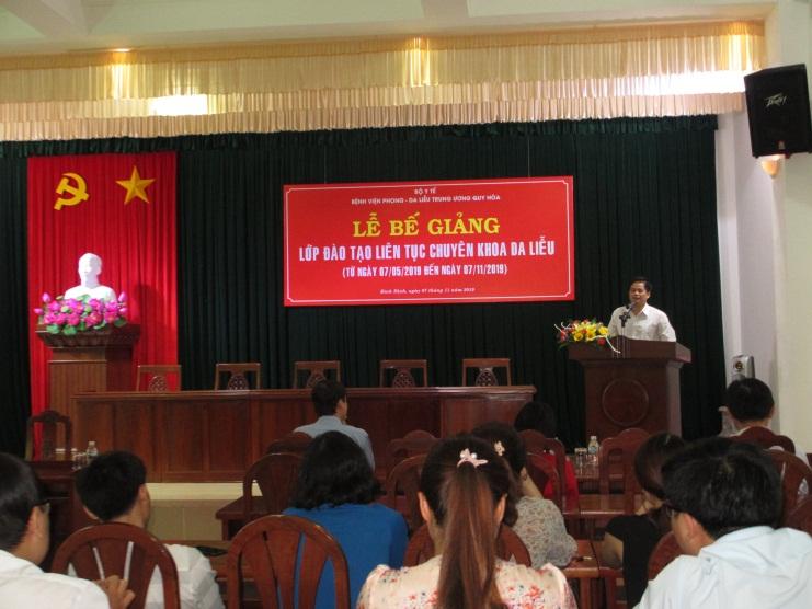 Be Giang dao tao chuyen khoa da lieu 02